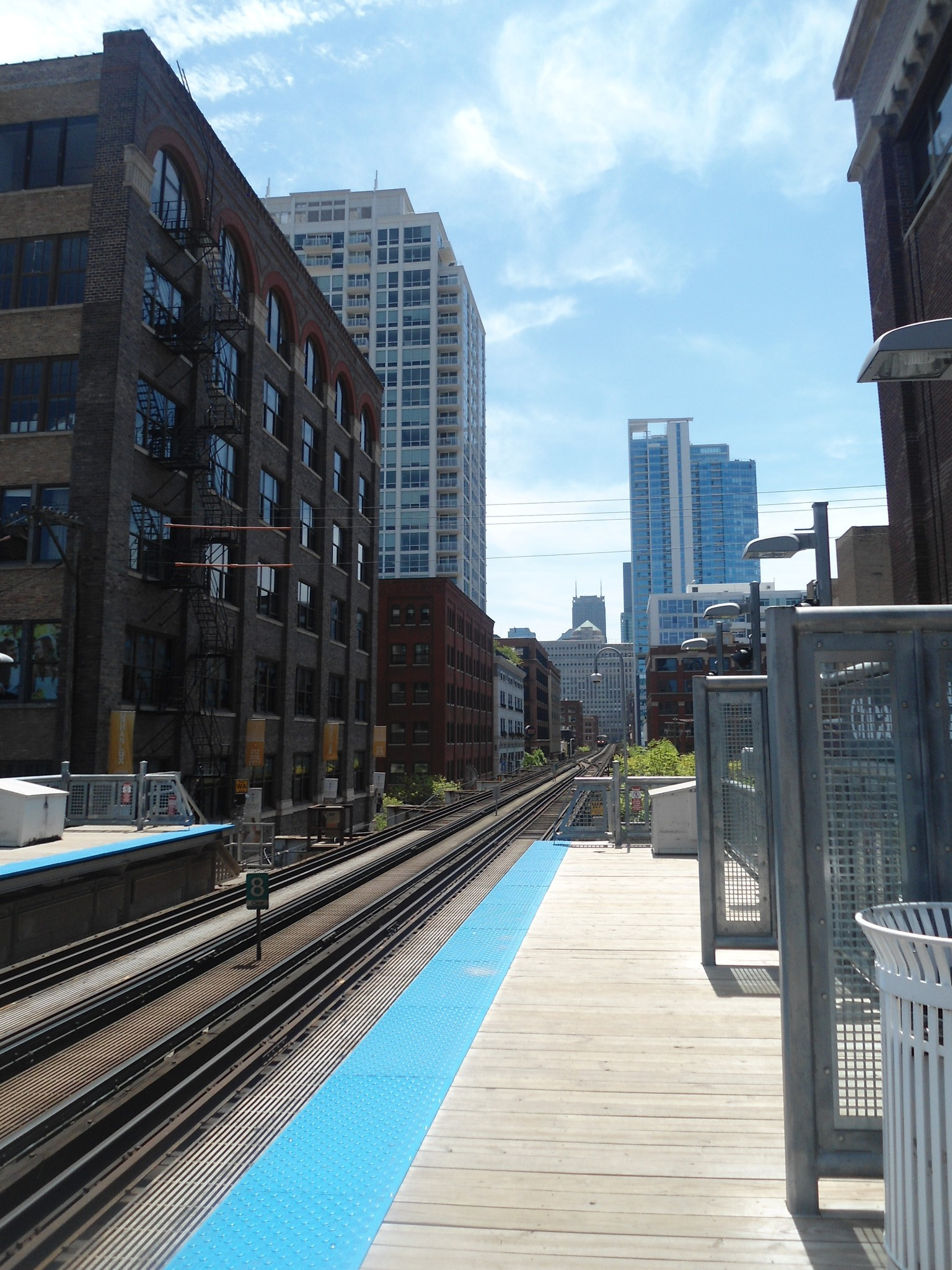 A view from a station along Chicago's El.